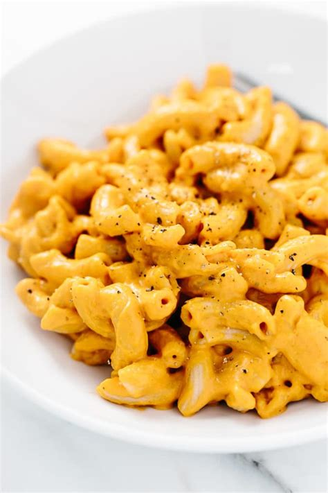 Mac N Cheese smoky vegan macaroni and cheese