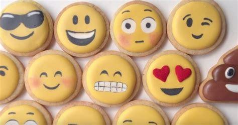 galletas para decorar con glase real glase real para galletas receta y decoracion de emojis