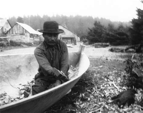 quileute canoes quileute man named talicas eastman making a canoe