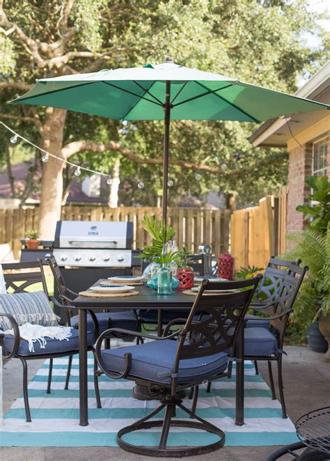 summer backyard garden party patio decorating