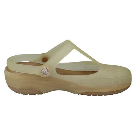 Crocs Carlie Oyster crocs sandals the style carlie womens
