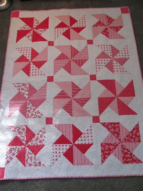 Pinwheels Quilt by Quilting Is Therapy Machine Quilting Pinwheel Quilt