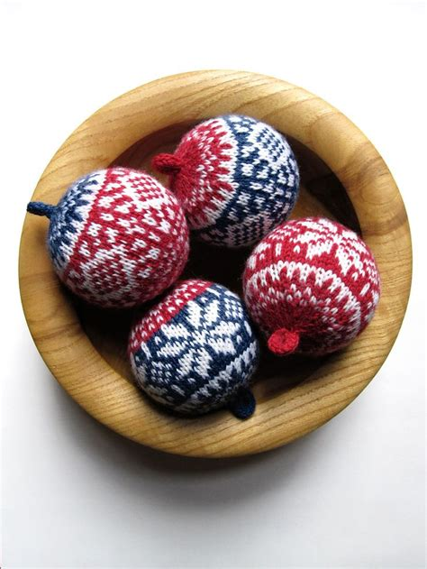 Balls Up Pattern Ravelry   ravelry balls up pattern by general hogbuffer knitted