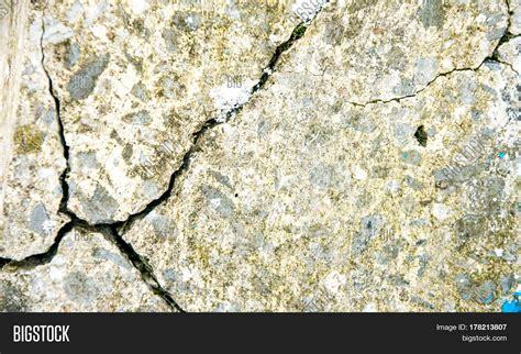 imagen y foto grunge concrete cement wall bigstock