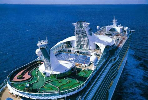 royal caribbean largest ship royal caribbean oasis of the seas amazing places