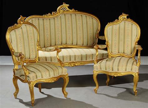 poltrone in legno divano e due poltrone in legno dorato ed intagliato xix