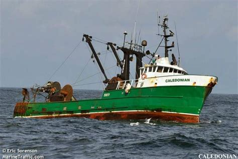 commercial fishing boat cost 3 dead 1 in hospital after fishing boat sinks off west