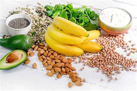 alimenti per rinforzare le ossa dieta magnesio quali cibi mangiare per dimagrire e