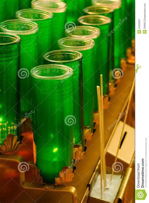candele votive immagine stock green glass votive candles immagine 25220561