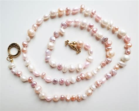 easy jewelry projects simple pearl necklace by seamstresserin project
