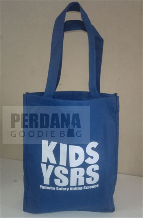 Dijual Souvenir Souvenir Gunting Kuku Biasa Berkualitas cara membuat tas spunbond yang menguntungkan perdana goodie bag