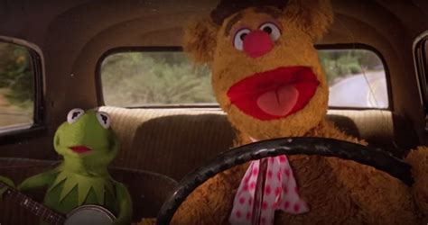 mirror movie clip fozzie bear kermit the frog fozzie bear kermit the frog perform nwa s quot express