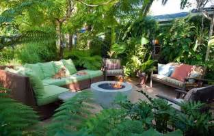 tropical landscaping ideas backyard landscaping