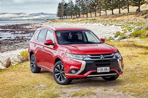 Toyota Outlander 2020 by 2017 Mitsubishi Outlander Phev Review Photos Caradvice