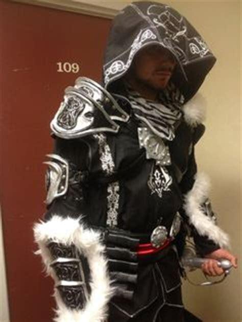 Neca 300 Bc Gorgo trojan swords centurion helmet with