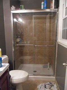 Keeping Glass Shower Doors Clean Clean Scum From Showers On Pinterest Soap Scum Glass Shower Doors And Shower Doors
