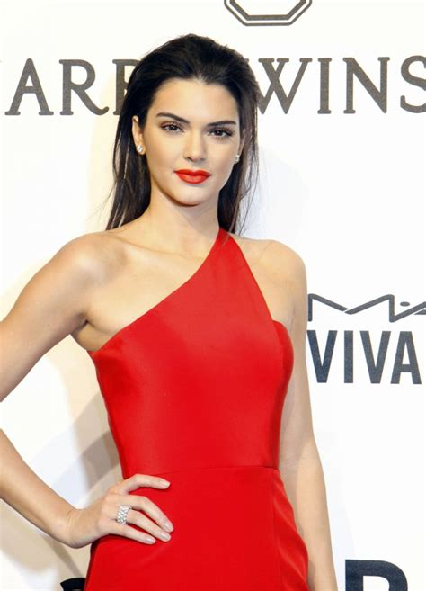 kendall jenner neck tattoo kendall jenner neck pictures to pin on