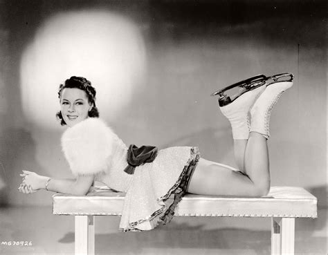 vintage hollywood actress photos vintage black and white portraits of hollywood actresses