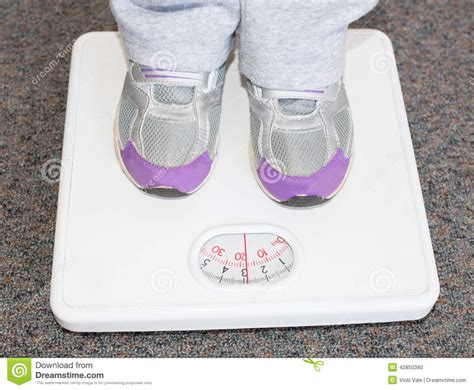 lightweight bathroom scales lightweight child on bathroom scales stock photo image