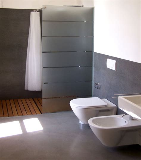 bagni piastrellati 1000 ideas about bathtub in shower on tub in