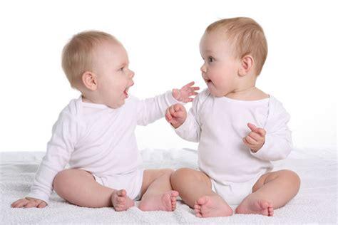 wann kann baby sprechen die kindliche sprachentwicklung freshdads v 228 ter helden