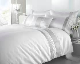 Quilt Duvet white colour shimmering diamante modern luxury duvet quilt