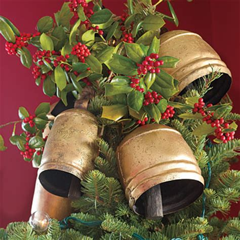 mix and chic fresh and fabulous christmas decorating ideas