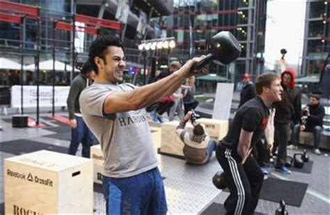 kettlebell swing muscles which groups does the kettlebell swing work