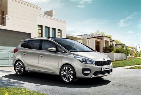 Kia Carent Facelifted Kia Carens Unveiled Goes On Sale This Year