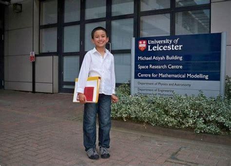 Baju Sekolah Phd baru 14 tahun dah layak jadi pensyarah remaja muslim ni memang genius wanista
