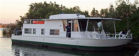 river house boats for sale riverqueen refit mike wolfe index river queen houseboat pinterest mike d antoni