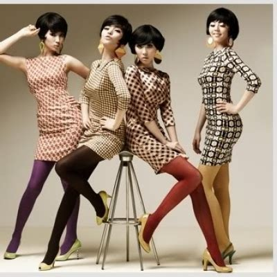 clothing and hair styles of the motown era fashion trends in the 60 s subangrechell