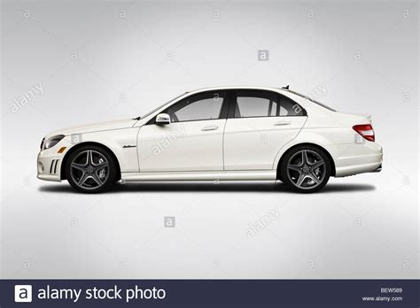 mercedes c class amg white 2010 mercedes c class c63 amg in white drivers side