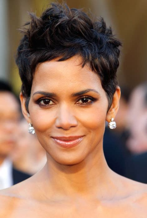 harry berry hairstyle hair crush halle berry s best short cuts