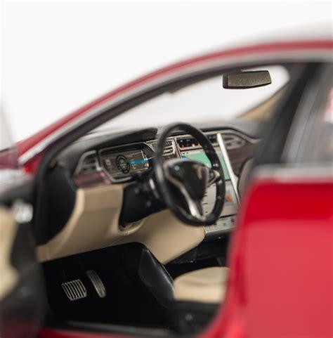 Tesla Sell Tesla Motors Is Now Selling 1 18 Scale Model S Diecast