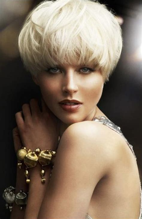 ear length bob hairstyle hip and trendy hair cut 2013 back of hair