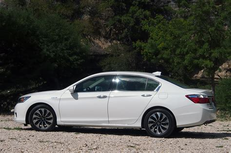 2014 Honda Accord Review by 2014 Honda Accord Hybrid Review Photo Gallery Autoblog