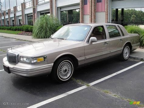 1995 lincoln town car information and photos momentcar
