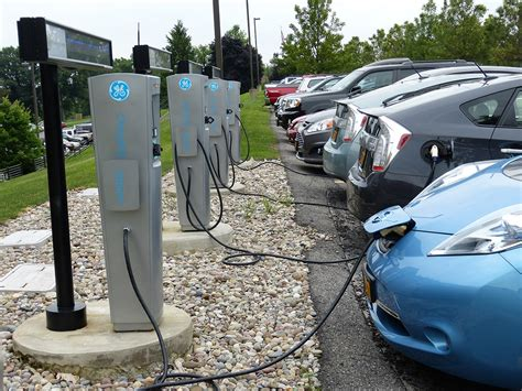 electric cars charging ge uses ai to charge electric cars without running up the