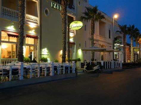 hotel a porto cesareo sul mare riflesso sul mare foto di hotel falli porto cesareo