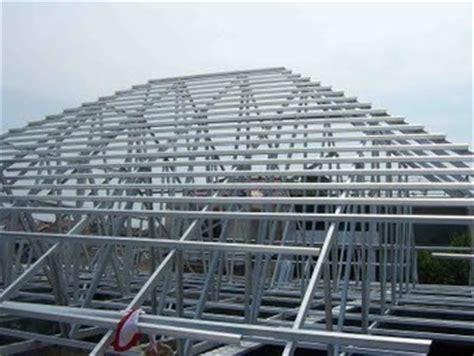 contoh desain atap rumah baja ringan atap rangka baja ringan pasang atap rumah metal