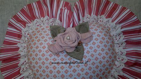 cuscini di stoffa cuori di stoffa fai da te tutorial manifantasia