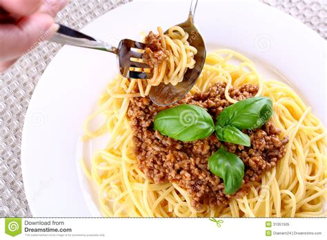 tablemanners gif the greater spaghetti debate to twist or not to twist