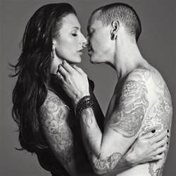 Chester Bennington Talinda Bentley 15 Pictures For Chester Bennington Family Famepace