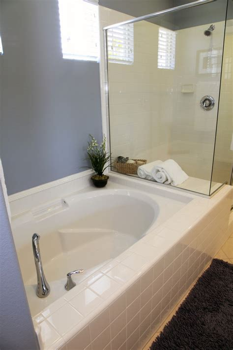 acrylic bathtub liners cost how much does it cost to install a bathtub liner tubethevote
