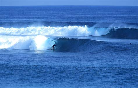 waves  bliss nihiwatu sumba indonesia unique