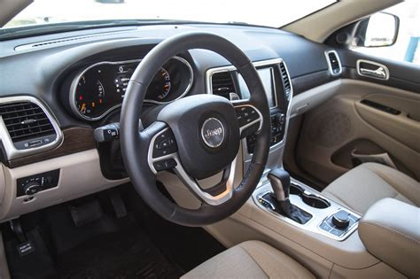 jeep grand cherokee laredo interior review 2016 jeep grand cherokee laredo canadian auto review