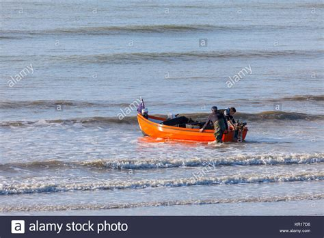 lake youngs boat launch boat launch uk stock photos boat launch uk stock images