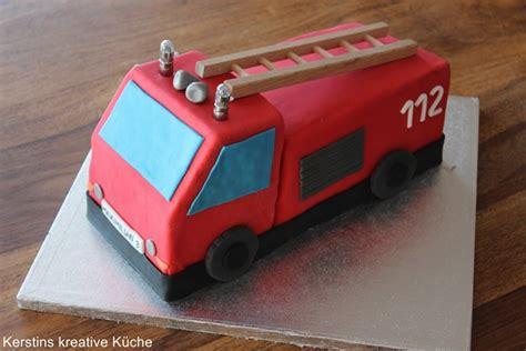kuchen als feuerwehrauto kerstins kreative k 252 che feuerwehr kuchen
