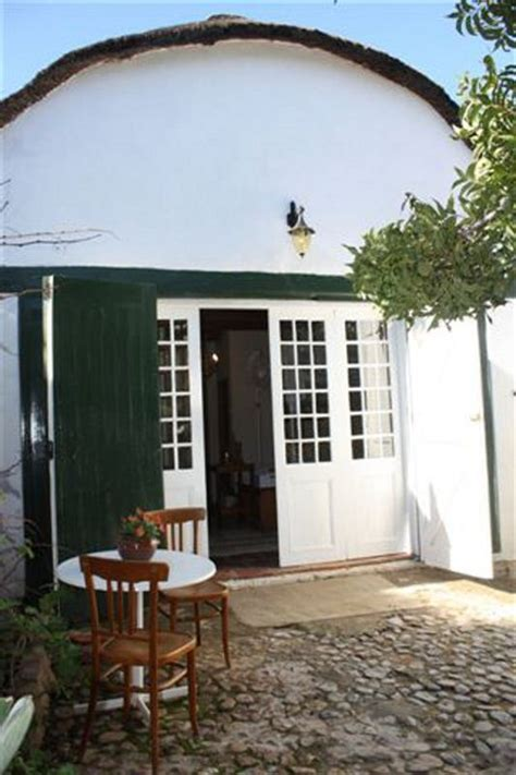 the wagon shed cape quarters accommodation in